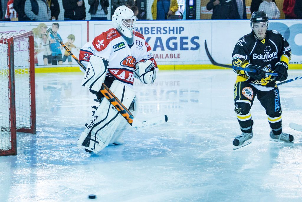 Daniel Brittle in the Barons net had a busy night but it would be fromer Baron, Rich Slater who would get the puck past him for the Lions winner (S Crampton)